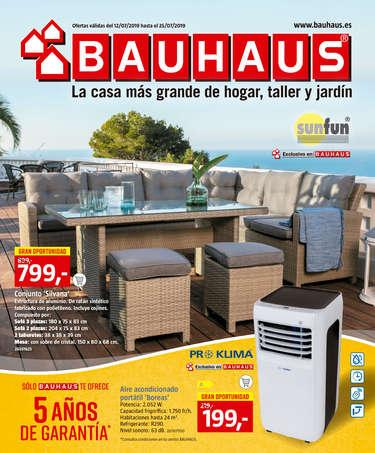 Bauhaus, la casa más grande de hogar, taller y jardín- Page 1